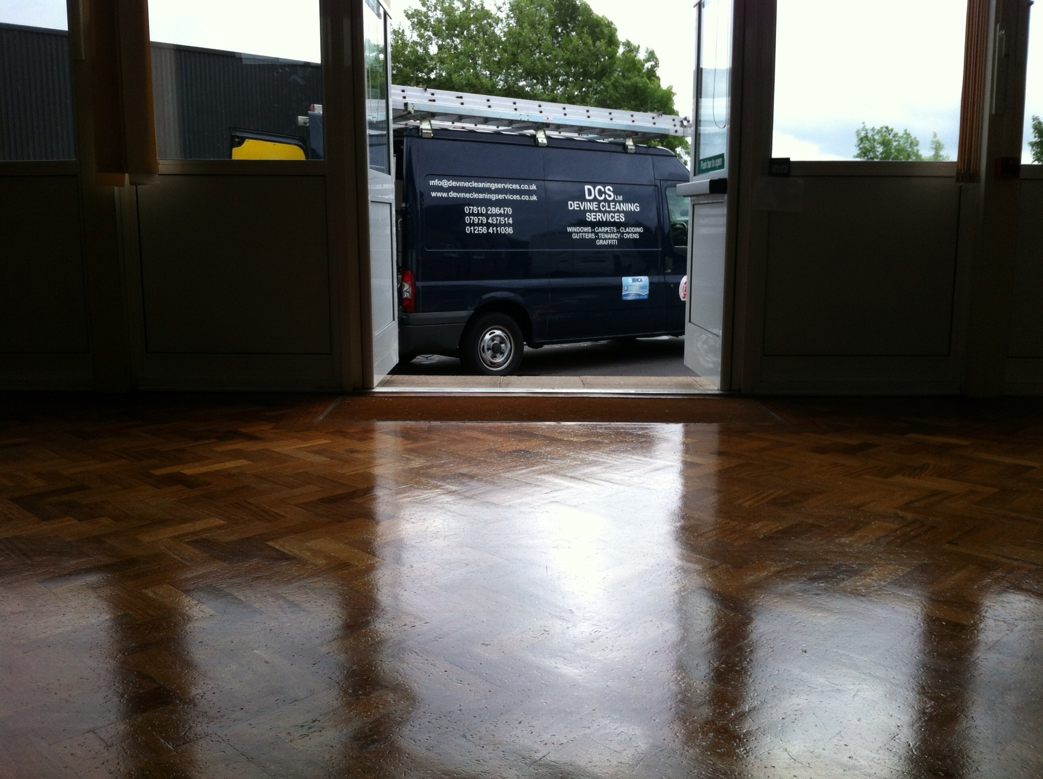 Carpet And Floors Cleaning Dcs Devine Cleaning Services Ltd